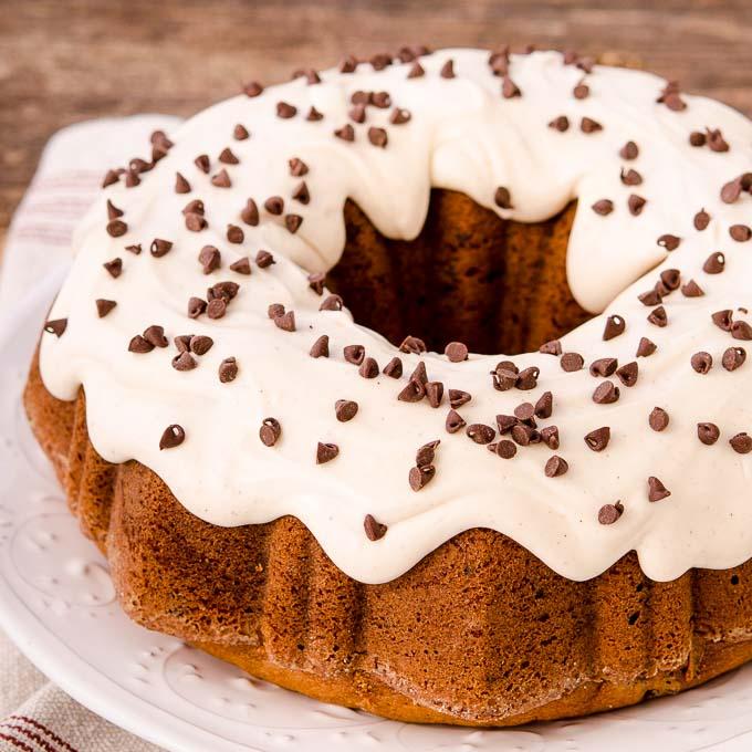 Fotos - Chocolate Chocolate Chip Bundt Cake Jpg